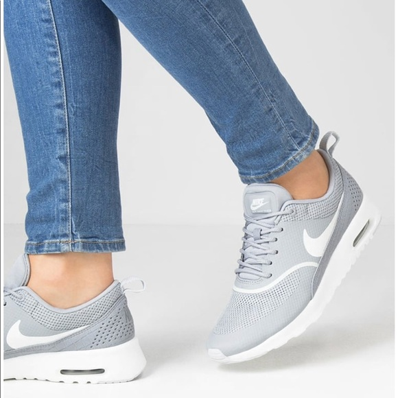 separation shoes ff54d 311cc Nike Shoes - FINAL PRICE Nike Air Max Thea